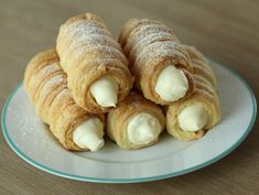 Croissant, Love Chocolate, Food Cakes, Cake Recipes, Biscuits, Bakery, Food And Drink, Ice Cream, Sweets