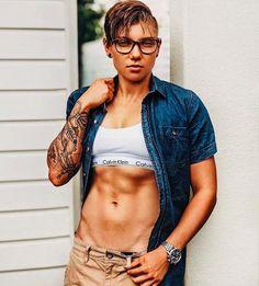 Lesbian ebony plumper