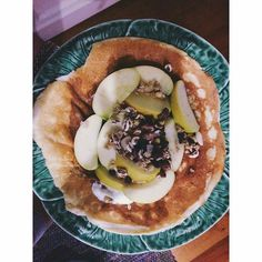 Panquecas de Domingo ( uma versão saudavel : massa da @mws.pt  iogurte Grego magro do @lidlportugal  maçã e granola bio do #jumbo  #amelhoramigadabarbiefitlife ( # @amelhoramigadabarbie) #MyWheyStore www.mws.pt