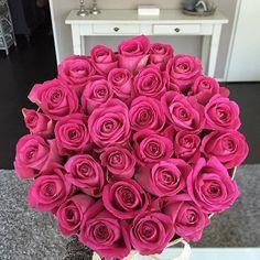 "anastasiyakst:  ""@mijnboeket #roses#flowers#flowersinspiration  """