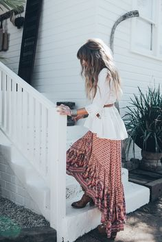 Hippie Skirts Outfits - 16 Ideas How to Wear Hippie Skirts Hippie Look, Hippie Style, Hippie Chic, Bohemian Style, Bohemian Clothing, Hippie Skirts, Boho Skirts, Maxi Skirts, Boho Outfits