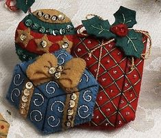 Bucilla Under The Tree ~ 6 Pce. Felt Christmas Ornament Kit New 2012 Christmas Ornament Crafts, Christmas Sewing, Felt Ornaments, Holiday Ornaments, Christmas Decorations, Stocking Tree, Christmas Party Games, Christmas Gifts For Women, Felt Crafts