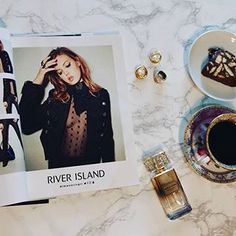 Good morning Christmas!!  #morningcoffee #christmas #fashion #riverisland #instafashion #instagood #instalike #instame #zkstyle #bloggers #fashionblog #fashionbloggers