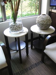 Juego de mesas auxiliares con cubierta de marmol