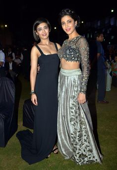 Akshara Haasan and Shruti Haasan at the music launch of 'Shamitabh'.