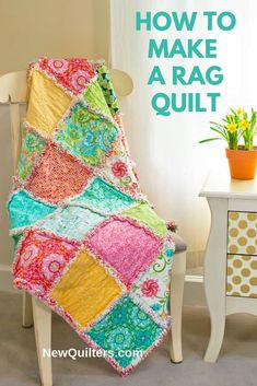 A Beginner's Guide to Rag Quilting book Book Pillow, Book Quilt, Rag Quilt Instructions, Rag Quilt Patterns, Pillow Patterns, Quilt Storage, Quilt Labels, Baby Girl Quilts, Easy Quilts