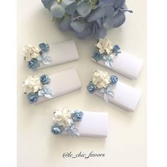 Welcoming Princess RIHANNA Vintage Florals Chocolates🌸 lindt signature personalisedchocolates chocolate bonbonnieres babyfavors… Chocolate Wrapping, Chocolate Favors, Chocolate Packaging, Chocolate Decorations, Chocolate Gifts, Wedding Favours, Wedding Cards, Wedding Gifts, Baby Favors