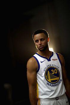 Stephen Curry Basketball, Nba Stephen Curry, I Love Basketball, Basketball Photos, Basketball Socks, College Basketball, Basketball Court, Nba Players, Basketball Players