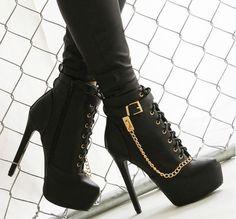 Υπέροχα παπούτσια σαν...κόσμημα!!!