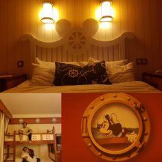 #disneylandparis #xmasdisney #newportbayclub #camera #room #details #oblo #bed #lettoacastello #friendship #elenaharotto... Newport Bay, Disneyland Paris, Friendship, Night, Bed, Room, Furniture, Home Decor, Bedroom