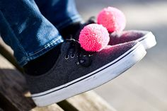 handmade shoe clips with fluorescent pink pompoms pom by bimabejbe, €14.00