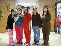 Storybook Character Dress-up Day:    To end our unit we had the students dress up as their favorite storybook character. They came to school dressed in their costume with their book and we guessed who they were.