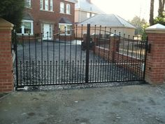 Drive / Estate Gates with Automation