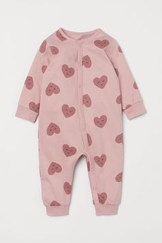 One Piece Pajamas, H&m Gifts, Heart For Kids, Fashion Company, Pink Hearts, Organic Cotton, Long Sleeve, Fasteners, Clothes