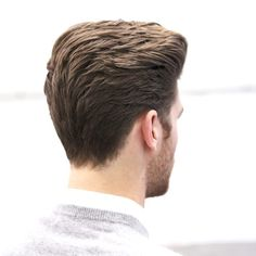 To achieve a square, masculine shape doesn't mean you need to skin the sides or even clipper them at all. Love these cuts a little longer… Quiff Hairstyles, Cool Hairstyles, Classic Mens Hairstyles, Hair Tips For Men, Medium Hair Styles, Short Hair Styles, Gents Hair Style, Hair Cutting Techniques, Classic Haircut