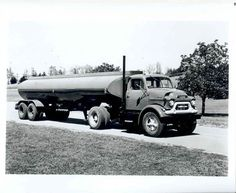 1957 GMC Model 800 Tractor Trailer Truck Factory Photo u834-K8N254