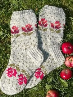 Trendy Ideas For Knitting Mittens Beautiful Crochet Socks, Knitted Slippers, Knit Crochet, Knit Socks, Knitting Patterns Free Dog, Loom Knitting, Knitting Socks, Hand Knitting, Stockings