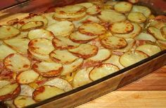 Potatoes with bacon and courgettes # food recipes cooking Trout Recipes, Fried Fish Recipes, Russian Dishes, Russian Recipes, Unique Recipes, Ethnic Recipes, Good Food, Yummy Food, Shellfish Recipes