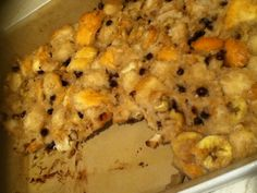 Delish Vegan Bread Pudding I made tonight! But next time I'm leaving out the Choco. Not a fan. But many would beg to differ. Oh well. Still outstandingly amazing! Vegan Bread Pudding, Choco Chips, Meal Ideas, Delish, Oatmeal, Vegan Recipes, Fan, Meals, Cooking