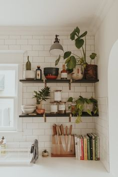 – A mix of mid-century modern, bohemian, and industrial interior style. Home and… – A mix of mid-century modern, bohemian, and industrial interior style. Home [. Retro Home Decor, Home Decor Kitchen, Home Kitchens, Room Kitchen, Dining Room, Kitchen Plants, Bohemian Kitchen Decor, Kitchen Corner, Kitchen Modern