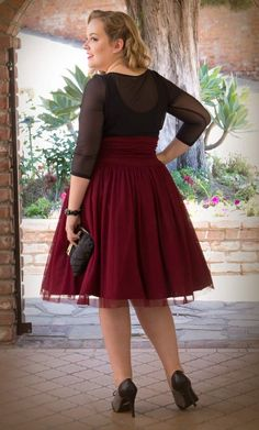 Curvalicious Clothes :: Plus Size Bottoms :: Twirling in Tulle Skirt - Merlot Plus Size Skirts, Plus Size Tops, Plus Size Outfits, Plus Size Fashion For Women, Plus Size Women, Curvy Women Outfits, Flattering Outfits, Look Plus, Full Figured Women