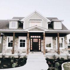 Dream House Exterior, Dream House Plans, House Exterior Design, Home Styles Exterior, Interior Design, House Exteriors, Modern Home Exteriors, Exterior Houses, Garage Exterior