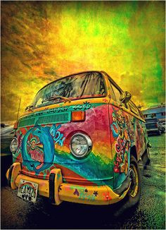 Hippy gypsy bus We had one of these once ahhhhh happy memories x Hippie Auto, Van Hippie, Kombi Hippie, Hippie Car, Hippie Style, Hippie Chick, Bohemian Style, Hippie Bohemian, Psychedelic Art