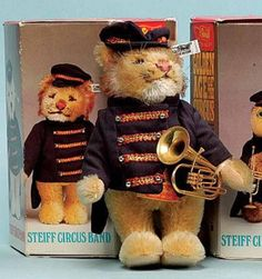Steiff 012319 Lion Bandsman with Tuba Golden Age Of The Circus
