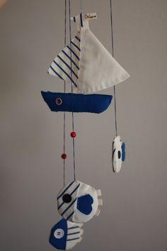 Mobile per culla in stile marinaro.