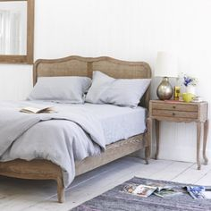 LIGHT GREY LAZY LINEN Our bed linen bundle deals are stonking good value. By bundling up a duvet cover, fitted sheet and two pillow cases you get the set for a discounted price. Nice and easy. Or if you only need individual pieces, fear not as you can still get your hands on these too.