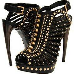 Black & Gold shoes #PrimerasVecesbyCyzone