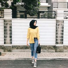 Hijab Casual, Casual Outfits, Fashion Outfits, Modern Hijab Fashion, Street Hijab Fashion, Muslim Fashion, Hijab Mode Inspiration, Niqab, Hijab Stile