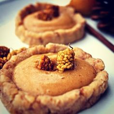 Low fat, raw and oil free Cinnamon-Caramel Tartlets