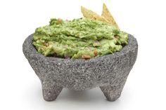 Avocados are a heart healthy treat, and what better way to get them in than through a delicious guacamole dr oz Spicy Recipes, Mexican Food Recipes, Appetizer Recipes, Great Recipes, Cooking Recipes, Favorite Recipes, Healthy Recipes, Ethnic Recipes, Healthy Appetizers