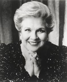 mezzo-soprano Marilyn Horne.  One of the greats of 20th century opera.  Unforgettable!  #opera #marilynhorne #mezzos