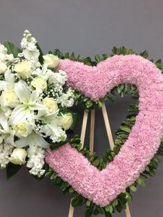 Flower Wreath Funeral, Funeral Flowers, Funeral Floral Arrangements, Flower Arrangements, Angel Wings Decor, Family Flowers, Food Carving, Sympathy Flowers, Flower Centerpieces