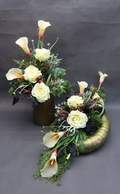 Modern Floral Arrangements, Christmas Flower Arrangements, Dried Flower Arrangements, Dried Flowers, Grave Flowers, Funeral Flowers, Grave Decorations, Handmade Decorations, Floral Bouquets