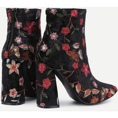 Flower Pattern Block Heeled Ankle Boots (2.615 RUB) ❤ liked on Polyvore featuring shoes, boots, ankle booties, block heel booties, floral print boots, block heel ankle boots, short boots and floral booties