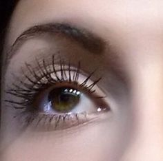 Younique 3D mascara will enhance your lashes by up to 300% get yours here: www.youniqueproducts.com/kimberlyreilly