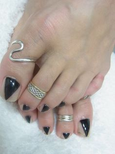 Cool pedi for Halloween party.