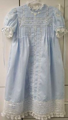 Embroidery Baby Clothes Christening Gowns 49 Ideas For 2019 Little Girl Dresses, Girls Dresses, Vintage Baby Clothes, Christening Gowns, Linens And Lace, Heirloom Sewing, Baby Sewing, Baby Dress, Toddler Girl Outfits