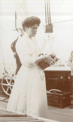 Tsarina Alexandra Feodorovna of Russia 1910