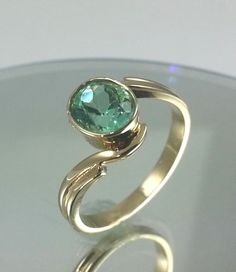 1.0CT Colombian Emerald Solid 18k Yellow Gold Ring * Estate 18K Emerald Ring  #Jewelry #Luxury #Fashion
