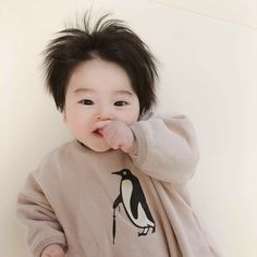 Image may contain: 1 person Cute Baby Boy, Cute Little Baby, Little Babies, Little Boys, Cute Kids, Baby Kids, Cute Asian Babies, Korean Babies, Asian Kids