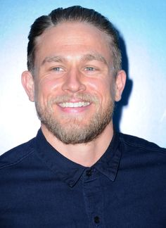 Charlie Hunnam Graces the Red Carpet With His Beautiful Face and Megawatt Smile