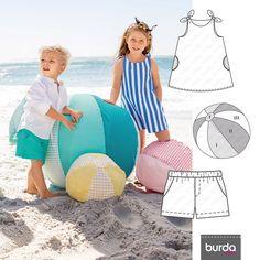 A Moda criança vem ajudar nas brincadeiras de praia, com vestidos leves e até sacos que se transformam em toalhas