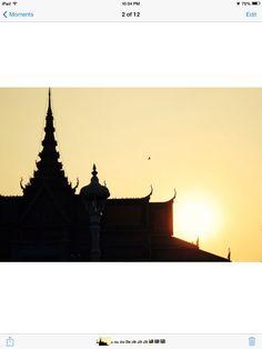 Sunset at the Royal palace. Photo credit: Chantha Kong. #royalpalace #cambodia #cambodian #phnompenh #khmer #sunset