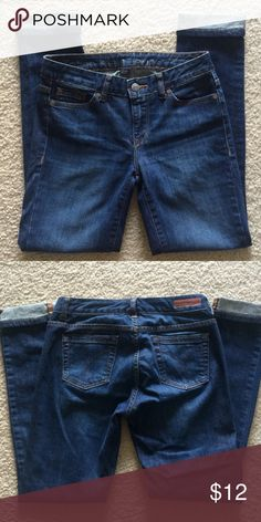 """Calvin Klein Jeans In excellent condition-- Size 26 or 2-- Ultimate Skinny Style-- waist to hem 37""""-- waist 30""""-- inseam 28""""-- 98% Cotton and 2% Elastane Trades Calvin Klein Jeans Skinny"""