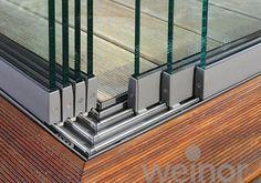 Schuifbeglazing voor uw balkon of veranda? Glass Balcony, Small Balcony Decor, Alfresco Designs, Door Design, House Design, Stacking Doors, Backyard Pavilion, Glass Extension, Glass Room