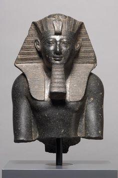 Oberteil einer Statue König Thutmosis' III. Kunst Historishen Museum Wien